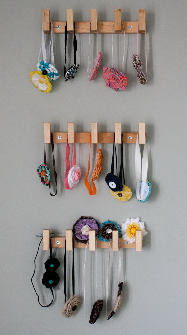 Use Wall Mounted Rack To Keep Headbands Separated By Size