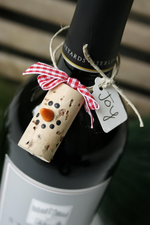 Wine Cork Snowman Gift Tag.
