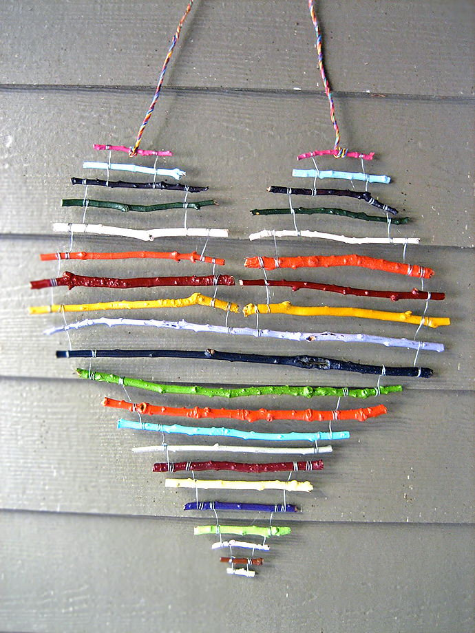 Rainbow Stick Heart. So fun and easy rainbow stick heart for a sweet home decoration. Tutorial via
