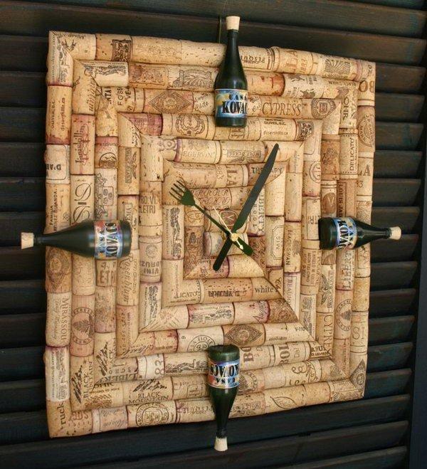 Wine Cork Clock. Get the tutorial