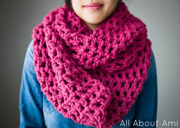 Long Double Crochet Cowl. Crochet this simple and quick crochet cowl to help keep you warm and beautiful this winter!