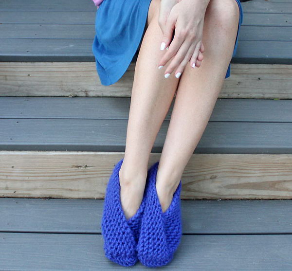 Easy Foldover Slippers. Love your home with this easiest knit slippers pattern and make pairs of comfy slippers that you will love forever.