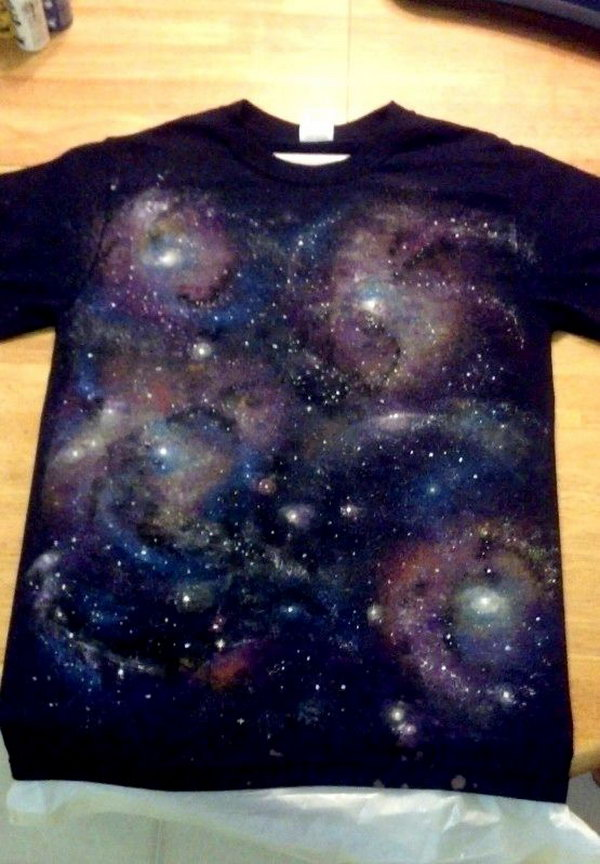 DIY Galaxy T-shirt. Let's bring a little bit of outer space on your clothes. Tutorial