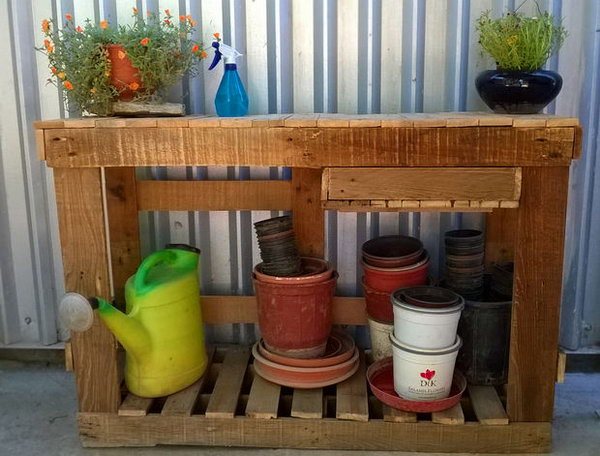 Make A Basic Gardening Table Out Of Old Pallets. Get the full direction