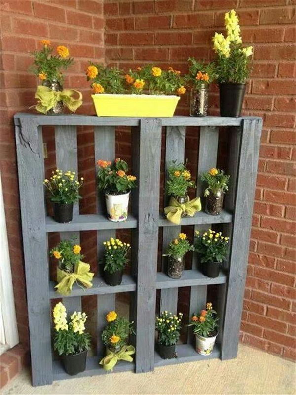 DIY Pallet Shelve for Planters.