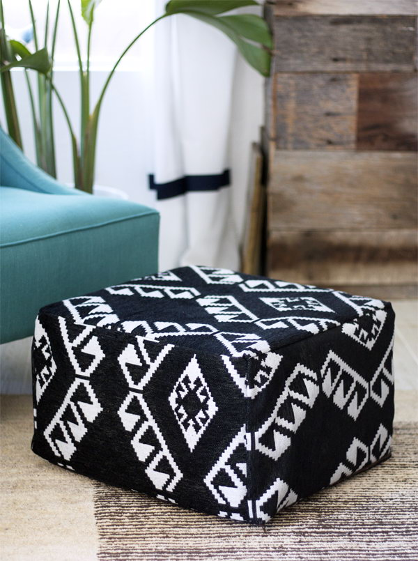 DIY Floor Pouf. See the steps