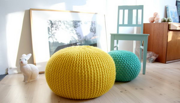 DIY Knitted Poufs. Get the tutorial