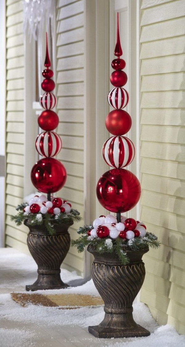 Captivating Red And White Ornaments Topiary Outdoor Decoration