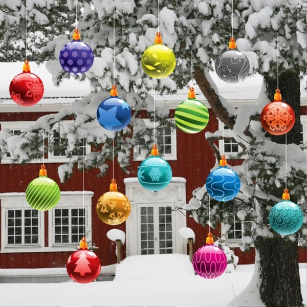 20 most beautiful outdoor decoration ideas for christmas hanging christmas ornaments solutioingenieria Gallery