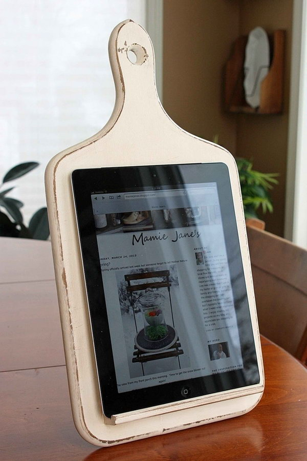 Turn An Old Cutting Board Into A Tablet Holder