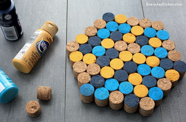 Protect Your Tabletop With This Wine Cork Trivet