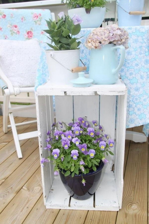 Wood Crate Porch Decoration for Spring.