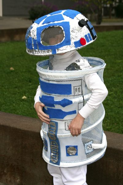 Star Wars R2D2 Costume from Laundry Hamper.