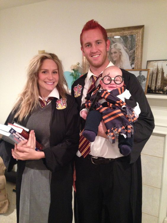Harry Potter Family Costumes.